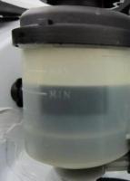 Проверка уровня жидкости гидроусилителя руля Соляриса