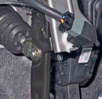 Снятие датчика положения педали тормоза Solaris