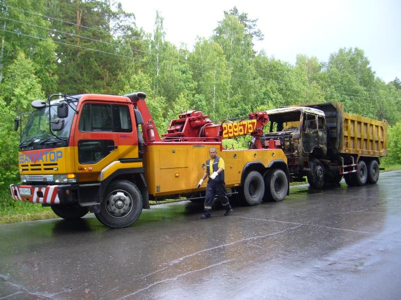 Поломка грузового автомобиля и его эвакуация в СПБ