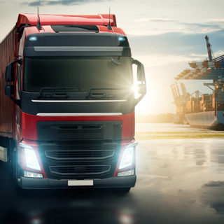 Огромный и надежный парк грузовых авто ждет каждого, кто закажет грузоперевозки в Киеве от лучшей компании